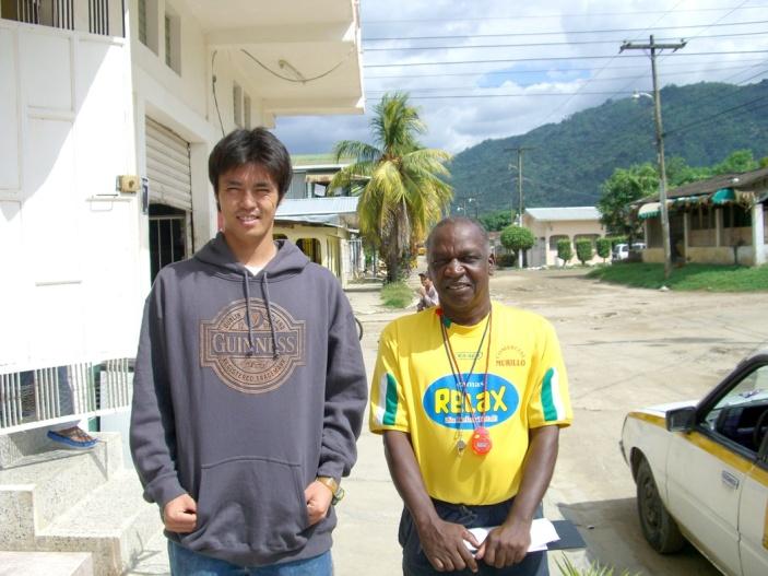 2006年11月。ジャマイカ旅立ち前。マカラと。