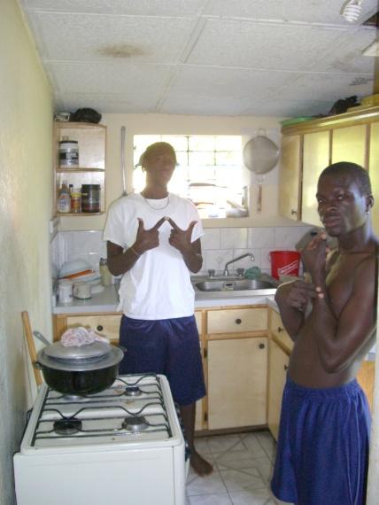 2006年11、12月。ジャマイカ最強チームの一つ「Port more United」合流!! 047