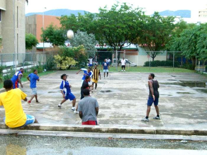 2006年11、12月。ジャマイカ最強チームの一つ「Port more United」合流!! 017