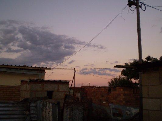 極限状態の中で見る美しい空(2008年3月・南アCanaca)