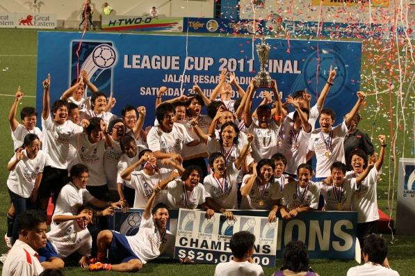 リーグカップ優勝(クラブ史上初タイトル獲得)2011年 ※アルビレックス新潟シンガポール